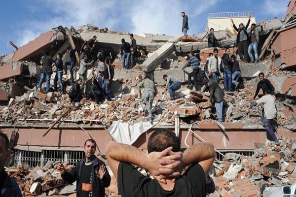 Marmara Depreminde hayatını kaybedenler için anma töreni