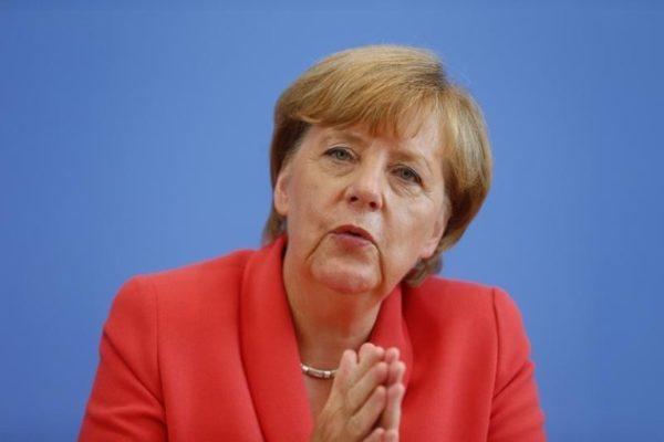 Angela Merkel'den çok konuşulacak referandum açıklaması