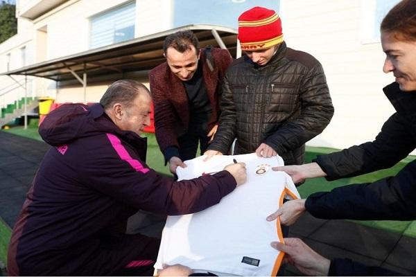 Türkiye'nin konuştuğu genç Galatasaray'ın antrenmanına katıldı