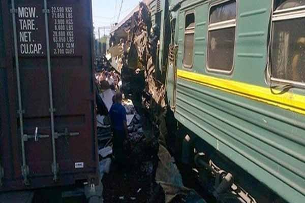Trenin çarptığı 14 mülteci öldü