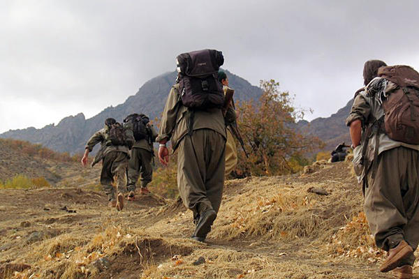 ABD'li eğitmenler PKK'lı militanlara ders ve para veriyor