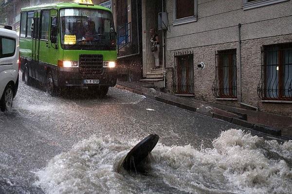 İstanbul'da sağanak yağış devam edecek mi