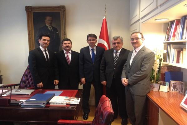 Süleymaniye Kültür Merkezi Yöneticileri T.C. Londra Başkonsolosu'nu Ziyaret Etti