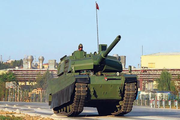 Türk tankları sınırda yerini aldı