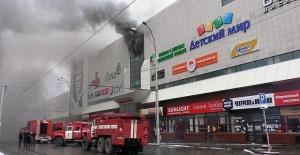 Rusya'da AVM faciası 53 kişi can verdi