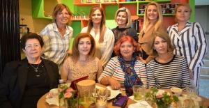 Zehra Başaran'a İngiltere Kadın Platformu'ndan Mambocino'da veda çayı