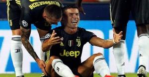 Kırmızı kart gören Ronaldo gözyaşlarını tutamadı