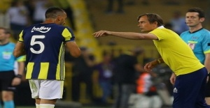Fenerbahçeli teknik direktör Cocu, Mehmet Topal'a tepkili