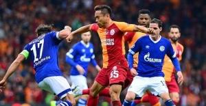Schalke 04 Galatasaray maçı canlı...