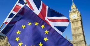 May güvenoyu aldı fakat Brexit krizi devam...