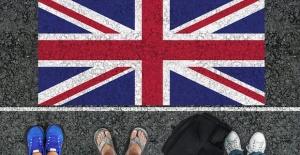 İngiltere göçmen yasalarını değiştiriyor: İş teklifi ve İngilizce bilgisi zorunlu hale geliyor