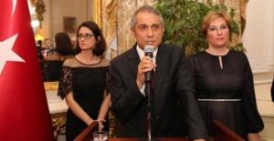 Londra Büyükelçisi Ümit Yalçın'dan bayram Kutlaması