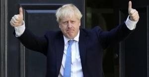 İngiltere Başbakanı Johnson binlerce...
