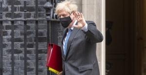 İngiltere Başbakanı Johnson, BBC'nin sahte belge üretmesine ilişkin rapor hakkında çok endişeli