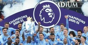 Manchester City şampiyonluk kupasını aldı