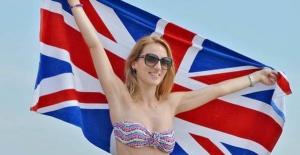 İngiltere bunaldı ! Halk sıcak havada...