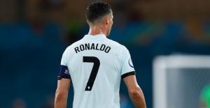 Cristiano Ronaldo resmen Manchester United'da