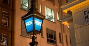 Londra Emniyetinde görevli polis memuru...