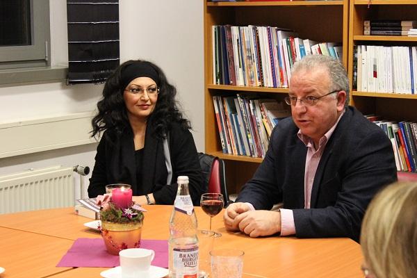 Almanya Türk Toplumu Merkezi'nde  Kitap Söyleşisi