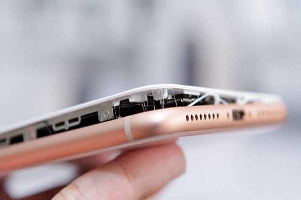 iPhone 8 Plus şarjda patladı