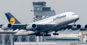 Lufthansa'da yapılacak 800 uçuş iptal edildi
