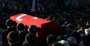 Bingöl'de jandarma askerlerinin bulunduğu araca hain saldırı