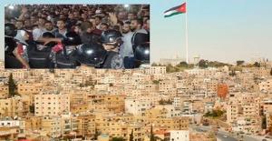 Ürdün'de hükümete karşı en büyük eylem düzenlendi