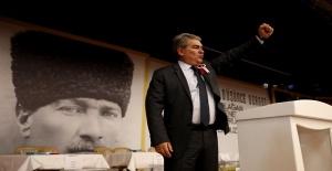 Atatürkçü Düşünce Derneği'nin yeni başkanı Süheyl Batum oldu