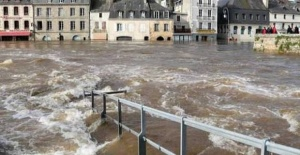 Fransa'da sel felaketi, 1600 kişi tahliye edildi