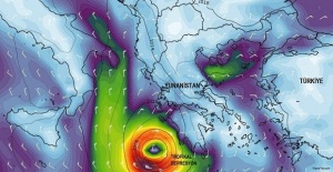 Büyük kasırga yavaş yavaş Türkiye'ye yaklaşıyor