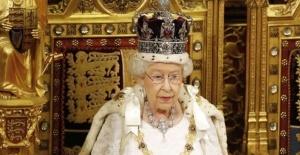 Kraliçe II. Elizabeth'in Mücevherleri Türk Tasarımcıya Emanet