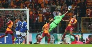 Alman basını Galatasaray Schalke 04 maçını yazıyor