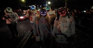 New York'ta 'Halloween yürüyüşü' renkli görüntüler oluşturdu