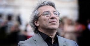 Gazeteci Can Dündar hakkında yakalama kararı