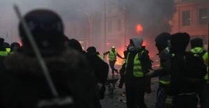 Paris'teki eylemlerin faturası ağır oldu