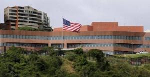 ABD Venezuela'daki personeline ülkeyi terk etme talimatı verdi