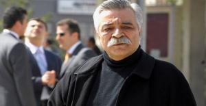 Sanatçı Ozan Arif hayatını kaybetti