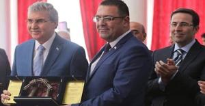 Avrupa Gazetesi yazarı Gökhan Güler'e Türksoy Basın Ödülü