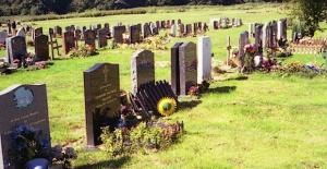 Enfield Belediyesi ve Strayfield Mezarlığı için imza kampanyası başlatıldı, Sende imzala