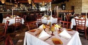 Almanya'nın başkenti Berlin'de restoran ve kafeler yarın yeniden açılıyor
