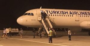 KKTC Ercan Havalimanı ilk uçaklarını karşıladı