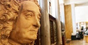 British Museum köle tüccarı kurucusunun büstünü kaldırdı