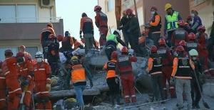 İzmir'deki depremde can kaybı 85'e yükseldi