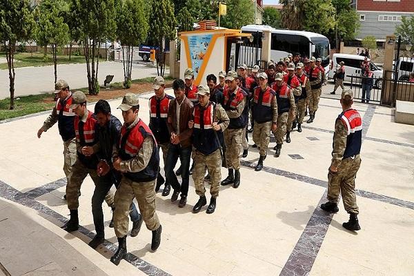 Şanlıurfa'daki operasyonda gözaltına alınan 17 kişi adliyeye sevk edildi