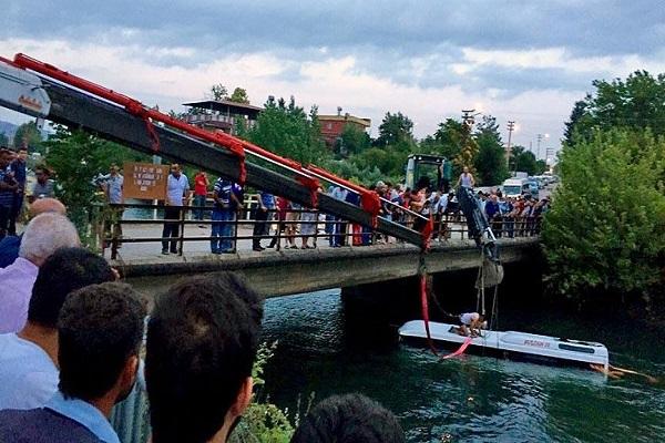 Türkiye'yi yasa boğan kazada 14 kişi hayatını kaybetti