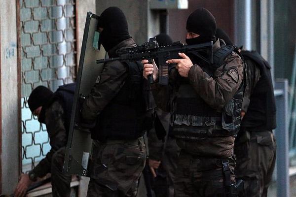 İstanbul'da çok sayıda adrese eş zamanlı operasyon