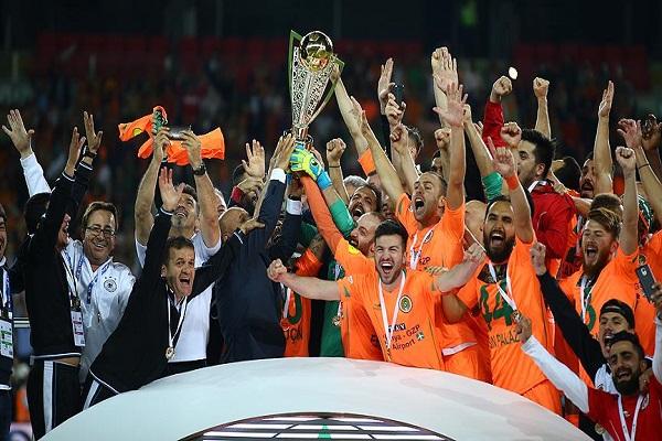 Multigroup Alanyaspor Süper Lig'e yükseldi