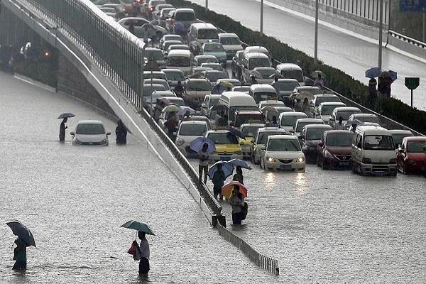 Çin'de şiddetli yağışlar 9 can aldı