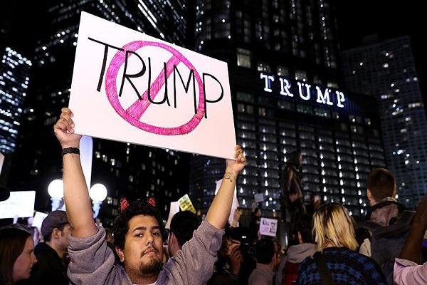 Donald Trump, ABD'de protesto edildi