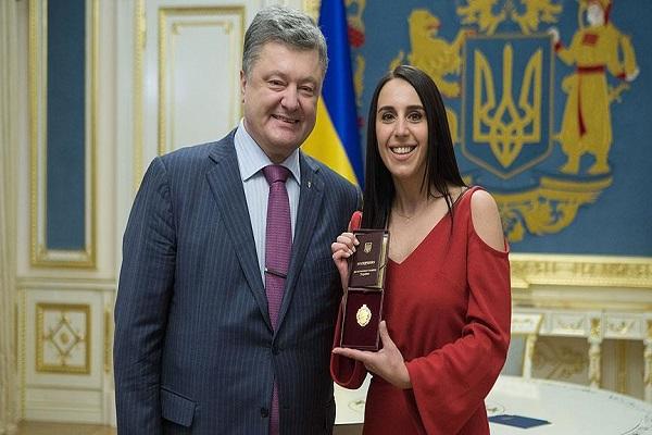 Ukrayna Devlet Başkanı, Jamala'ya 'halk sanatçısı' unvanını verdi